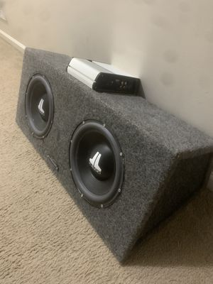 JL audio bundle 2 10 inch W6's with amp and box for Sale in Columbus, OH