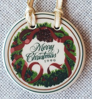 Longaberger 1996 Holiday Series Merry Christmas Cheer Basket Pottery Tie On for Sale in Plano, TX