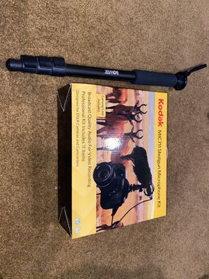 Kodak MIC711 shotgun microphone kit with hand tripod for Sale in San Jose, CA