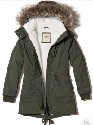 Hollister Army Green Faux-fur-lined Parka for Sale in Whittier, CA