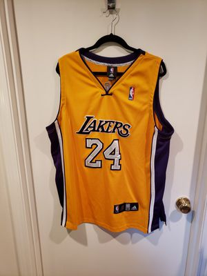 COLLECTIBLE Adidas #24 Gold Kobe Bryant NBA Jersey - Unsigned - XXL for Sale in Kent, WA
