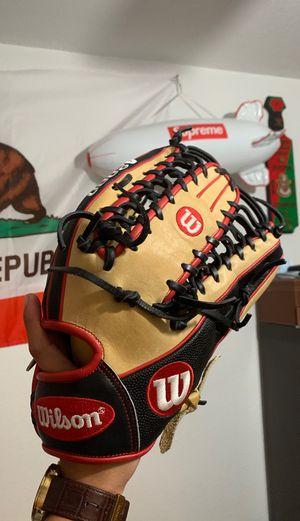 Wilson A2000 Baseball Glove for Sale in Long Beach, CA