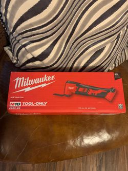"""Milwaukee M-18 Multi Tool """"Tool Only"""" for Sale in Dallas, TX"""