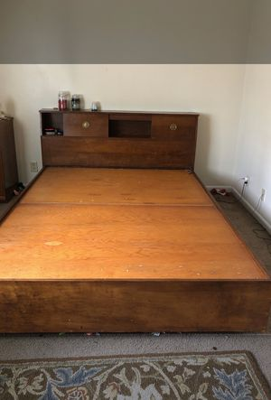 Queen bed frame for Sale in Wapakoneta, OH