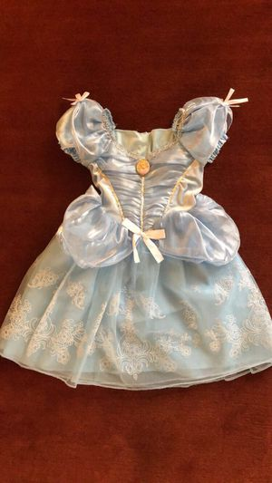 Dress up/ princess Cinderella Halloween costume for Sale in Woodbridge, VA