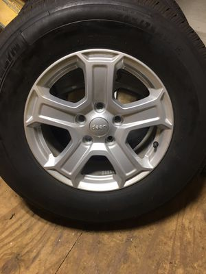 2019 Jeep Wrangler wheels and tires for Sale in Meriden, CT