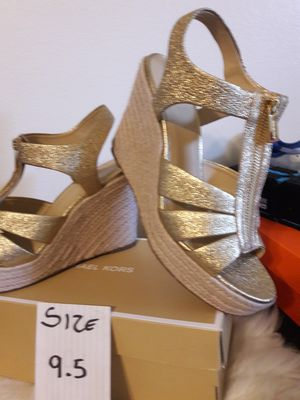 MICHAEL KORS SIZE 9.5 WOMEN for Sale in Highland, CA
