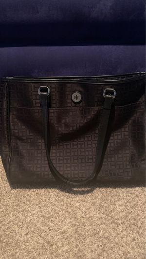 Tommy Hilfiger Handbag for Sale in Carrollton, TX