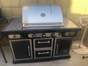 Members mark barbecue grill for Sale in Phoenix, AZ