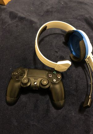 Ps4 controller and turtle beach headset for $45 for Sale in Cranston, RI