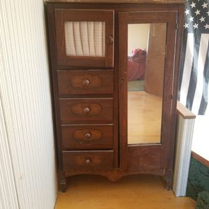 Antique chifferobe for Sale in Orangeburg, SC