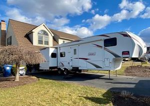 2012 Coleman 5th wheel for Sale in York, PA