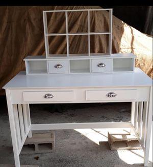 Desk for Sale in Irwindale, CA
