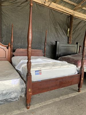 All SolidWood Queen Size Vintage Poster Bed Frame for Sale in Ocala, FL