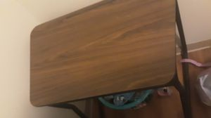 I have 2 of these desk for Sale in Bellaire, OH