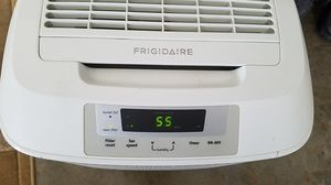 Dehumidifier, Frigidaire 70 pints for Sale in Tigard, OR