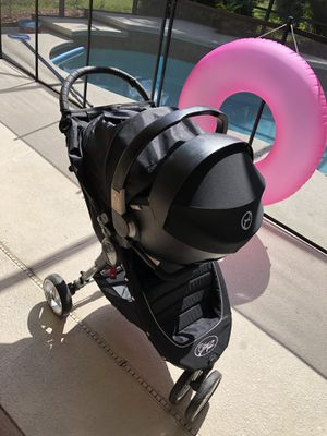 City Mini Single Stroller With Cybex Car Seat + Adapter + Base Travel System for Sale in Apopka, FL