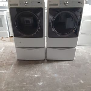 Washer and Dryer Kenmore Gas Dryer Good Condition 3 Months warranty Delivery And Install for Sale in San Leandro, CA