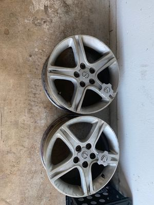 Two 2001 is300 rims and four center caps for Sale in Port St. Lucie, FL