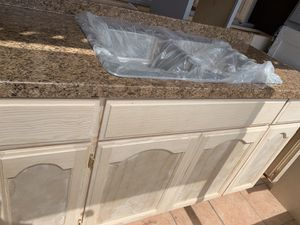 Kitchen cabinet 5ft countertop & sink for Sale in Downey, CA