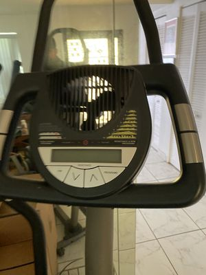 Elliptical NordicTrack CX1000 for Sale in Miami, FL