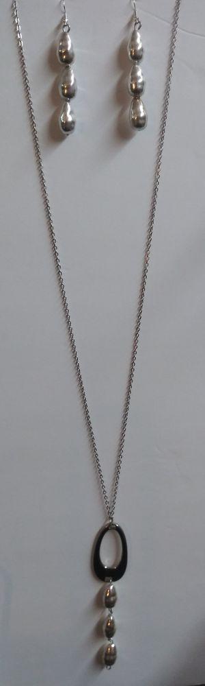 Silver tear drop necklace set for Sale in Dallas, TX