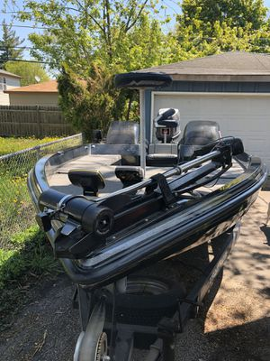 1995 nitro bass boat 200hp motor for Sale in Round Lake, IL