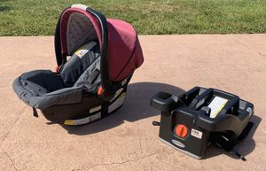 Like new Graco SnugRide 35 Click Connect Car Seat and Base Set for Sale in Plantation, FL