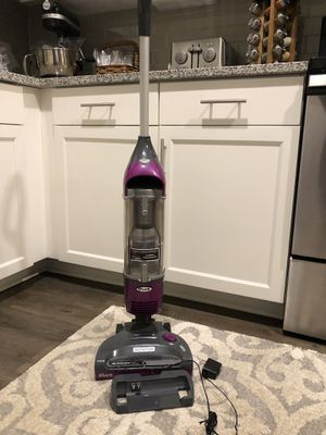 Shark Cordless Vacuum for Bare floods and Carpet for Sale in Prospect, KY