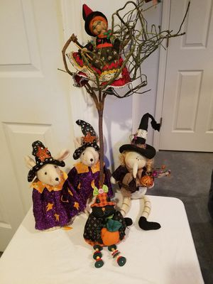 SUNDAY ONLY! HALLOWEEN . TAKE ALL $20 for Sale in Mount Prospect, IL