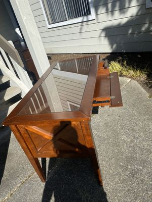 BEAUTIFUL DESK. for Sale in Bellevue, WA