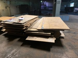 3/4 inch plywood decent shape for Sale in Akron, OH