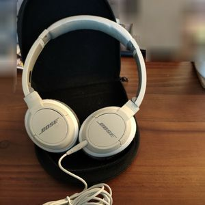 BOSE Headphone OE2 Wired Light Weight with Case for Sale in Fremont, CA