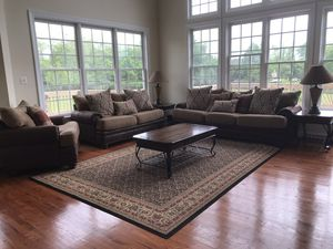 Gorgeous living room set (Like new) for Sale in Fort Washington, MD