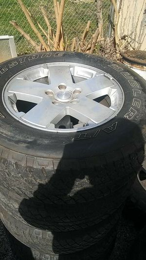 18 in jeep wheels like new tires (5) for Sale in Kingsport, TN