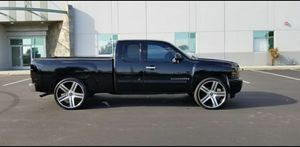2009 CHEVY SILVERADO LT for Sale in Montclair, CA