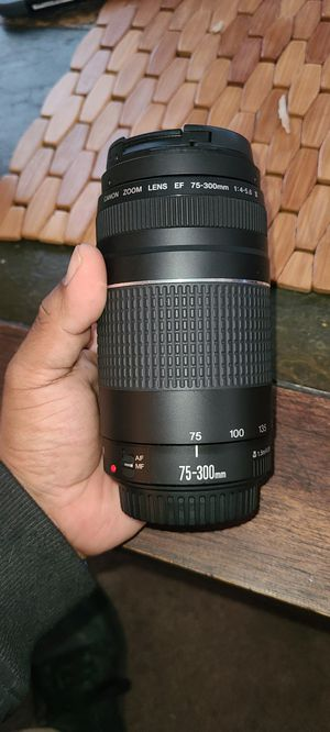 Canon 75-300mm lens for Sale in Kennesaw, GA