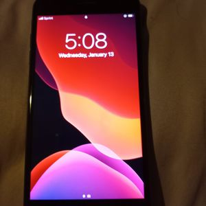 Iphone 8 Plus for Sale in Detroit, MI