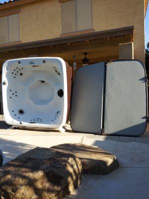 Hot tub/spa Lifesmart LS600DX 7-Person 65-Jet Spa for Sale in Avondale, AZ