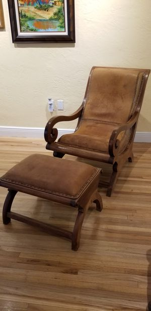 TEAK - LEATHER CHAIR & OTTOMAN SET for Sale in Miami, FL