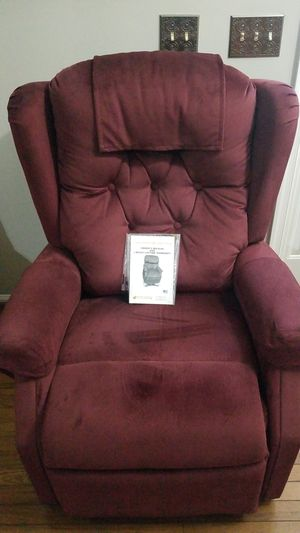 Power Lift and Recliner Chair for Sale in Sterling, VA
