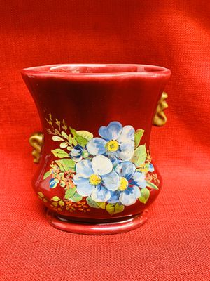 """Red Glazed Hand Painted Floral Design Ceramic Vase Pot Planter 5""""x 3 1/4""""x 6 1/2""""tall USA for Sale in Moapa, NV"""