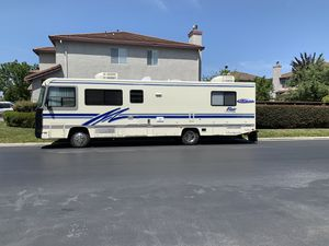 1994 Fleetwood flair 32ft Detroit diesel 6.5 low miles for Sale in Gardena, CA