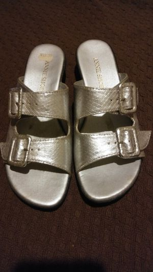 CUTE SILVER SANDALS WITH BUCKLE ACCENTS BY ANNIE SHOES, SIZE 6. MUST PICK UP PLEASE. THANK YOU! for Sale in Baltimore, MD