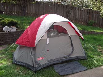 Coleman Crest line tent- good condition for Sale in Glenwood,  OR