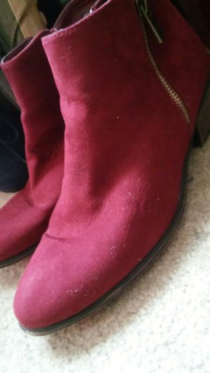 Burgundy boots unisex size 7 mens/ size 9 womans great condition $40 for Sale in Washington, DC