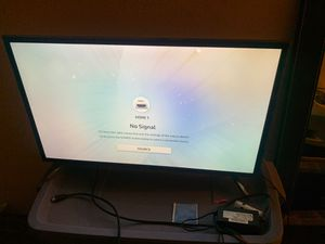 32 inch Samsung smart TV Ultra high definition for Sale in Compton, CA