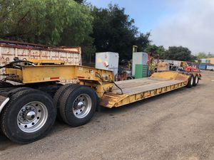 Low bed trailer semi trailer for Sale in Lakeside, CA
