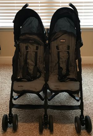 Chicco double stroller for Sale in Tampa, FL