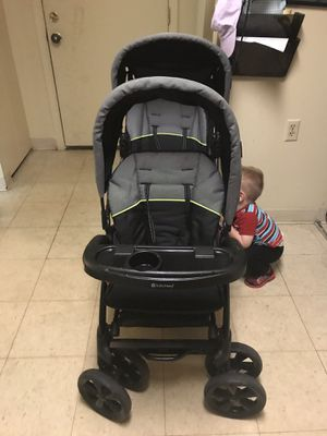 Double wide stroller for Sale in Lexington, KY